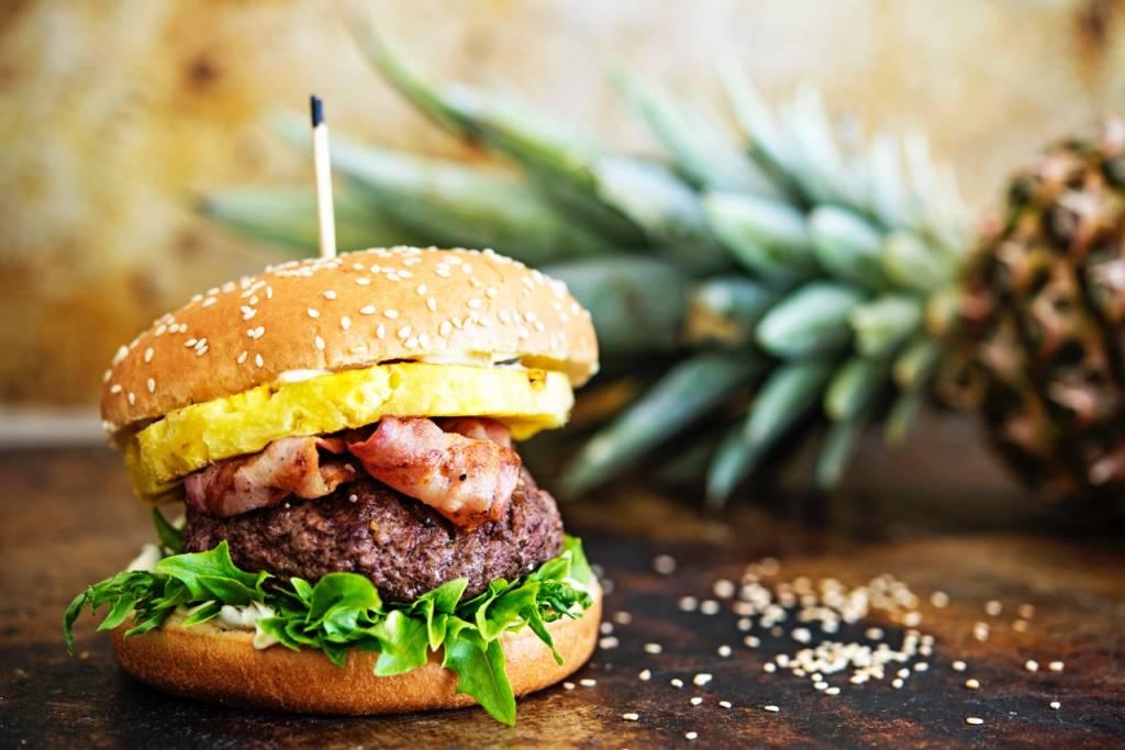 Ananas-BBQ-Burgeri - Juhannuksen grillimenu - Vaasan